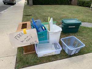FREE storage bins/containers for Sale in Los Angeles, CA