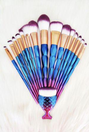 Diamond set!! 16 brushes 💎💜 for Sale in Las Vegas, NV