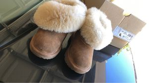 T Bailey Uggs size kids size 7 for Sale in Nashville, TN