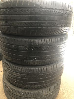 4 good use tires Bridgestone 215/55/17 for Sale in Herndon, VA