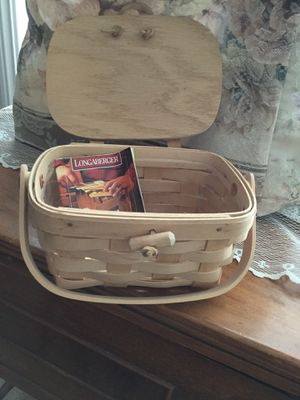 "Longaberger purse or basket with plastic liner, never used,perfect condition. 4""h x 7""L x5""w. for Sale in Alpine, CA"