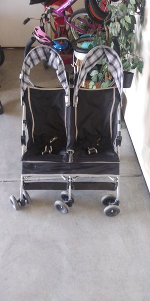 Double stroller for Sale in Wasco, CA