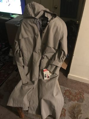 Woman's London fog petite sz 6 pet for Sale in Silver Spring, MD