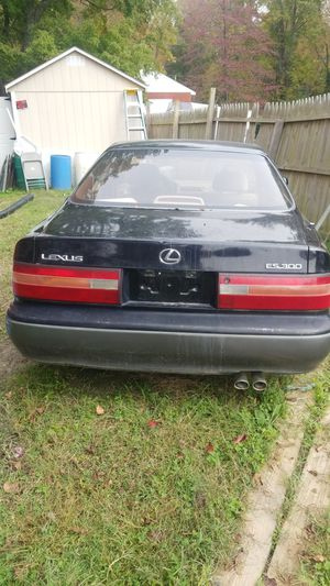 1996 lexus es300 for Sale in Bushwood, MD