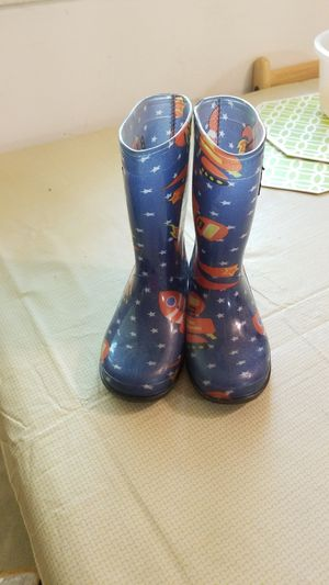 Kids rain boots small for Sale in Silver Spring, MD