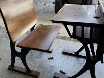 Early 1900's American Antique Desk for Sale in Tampa,  FL