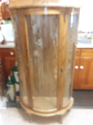 Antique Bowfront curio cabinet for Sale in West Valley City, UT