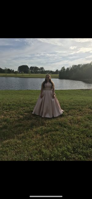 Prom dress for Sale in Fuquay-Varina, NC