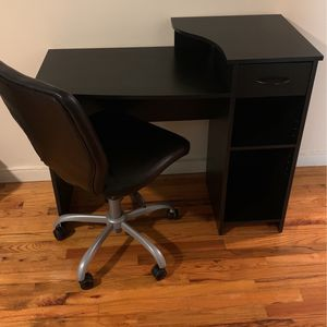 Work table and Chair for Sale in The Bronx, NY