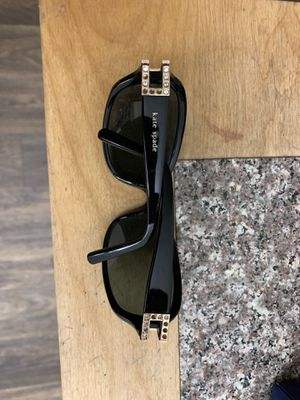 Kate spade sunglasses for Sale in Marietta, GA
