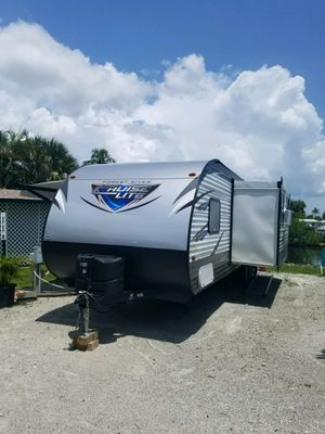 2018 cruise lite pull along camper made by forest river. for Sale in Black Mountain, NC