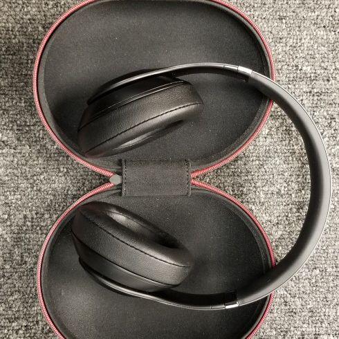 Beats Studio 3 Wireless Headphones - Matte Black