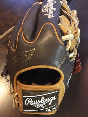 Rawlings Hoh 11.75 baseball glove $225 softball for Sale in Chino, CA