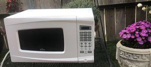 White Microwave for Sale in Wichita, KS