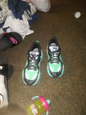 Special edition mtv pumas size 11 1/2 for Sale in Columbus, OH