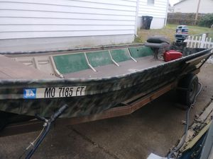 Jon boat for Sale in Affton, MO