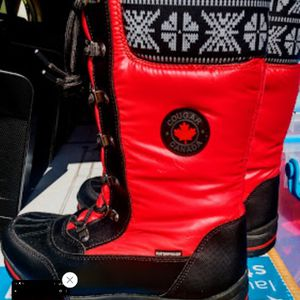 COUGAR WINTER BOOTS SZ 8M for Sale in San Antonio, TX
