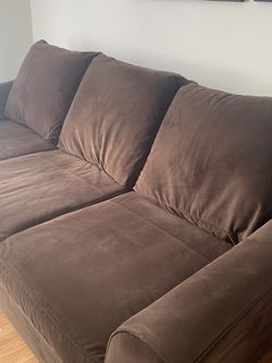 Klaussner Sofa for Sale in Avon Lake,  OH