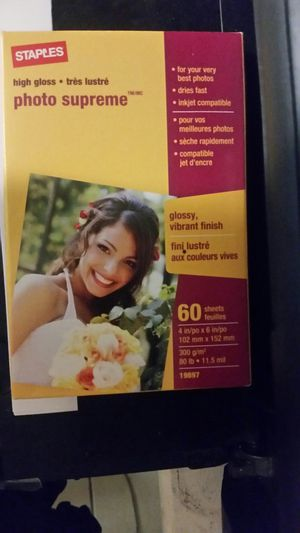 New Staples high gloss photo supreme 4x6 photo paper for Sale in South Attleboro, MA