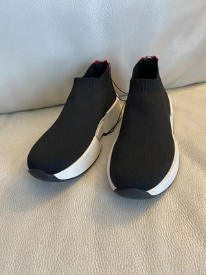 DKNY SHOES for Sale in Broadview Heights, OH