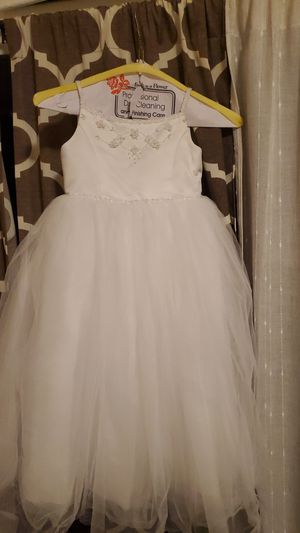White 3T Flower girl dress for Sale in Bell Gardens, CA