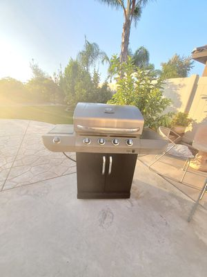 Excellent condition Char broil BBQ Grill for Sale in Lake Elsinore, CA