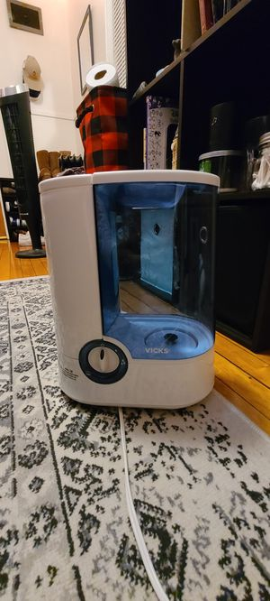 Vicks humidifier for Sale in Madison, WI
