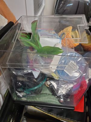 Fish tank and extras for Sale in Livonia, MI