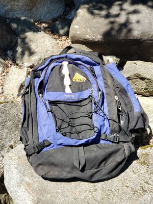 Kelty Redwing 2400 Backpack great for hiking for Sale in Olalla, WA
