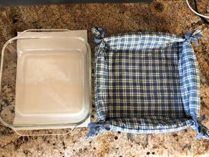 9x9 Pyrex dish with padded carrier for Sale in Englewood, CO