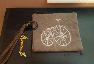 Wristlet / bag for Sale in Kearns, UT