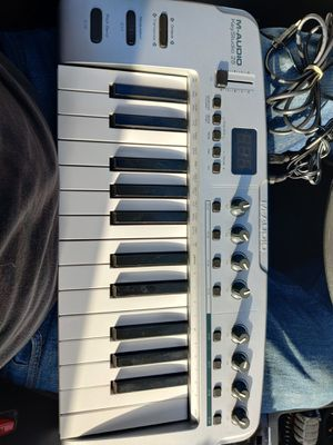 M-audio key studio 25 for Sale in Arlington, TX