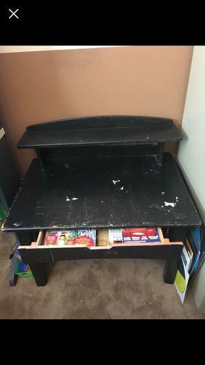 Little tikes kids desk for Sale in Dinuba, CA