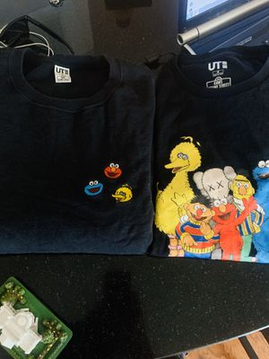 Kaws Sesame Street size m for Sale in Temple Hills, MD