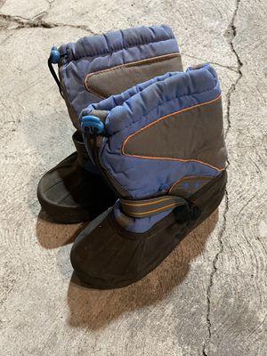 Boys snow boots size 3 for Sale in Pico Rivera, CA