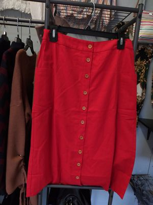 Brand new red skirt. for Sale in undefined
