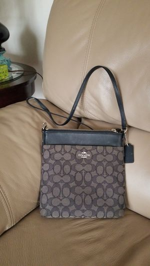 Lightly used Coach Crossbody for Sale in Silver Spring, MD