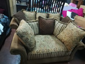 sofa and loveseat Cindy Crawford like new for Sale in TN, US