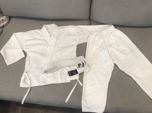 Karate Gi Uniform Size 0000 3ft 30-35lbs for Sale in Irvine, CA