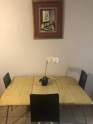 Antique wooden table with 4 chairs for Sale in Houston, TX