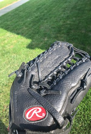 Rawlings Gold Glove Gamer 12.75 inch softball glove for Sale in Tinley Park, IL
