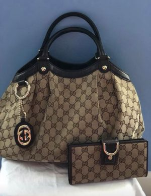 100% authentic Gucci Sukey bag and matching wallet for Sale in Stone Ridge, VA