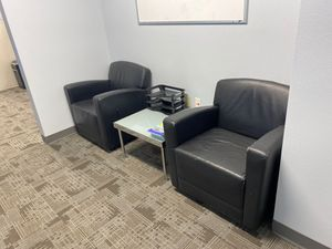 2 office chairs and end table for Sale in Denver, CO