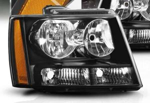 2007 chevy tahoe driver driver headlight for Sale in Tucson, AZ