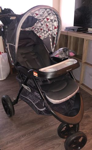 Jogger stroller w/car seat and base. for Sale in Salt Lake City, UT