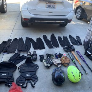 Softball Bag With Lots Of Gear And Equipment for Sale in San Jacinto, CA
