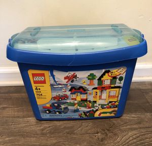 Lego 704 Pcs. The box is broken. for Sale in Pine Lake, GA