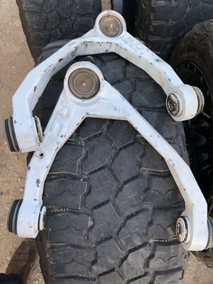 Rough Country upper control arms for Sale in Goodyear, AZ