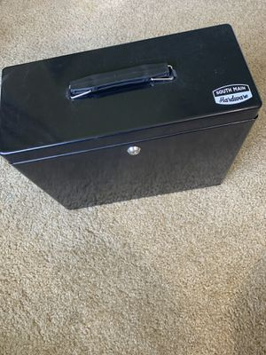Metal File Cabinet with Lock for Sale in Cleveland, OH