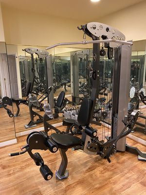 Home Gym Hoist V5 in New Condition. for Sale in Chantilly, VA